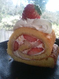 イチゴロールケーキ☆